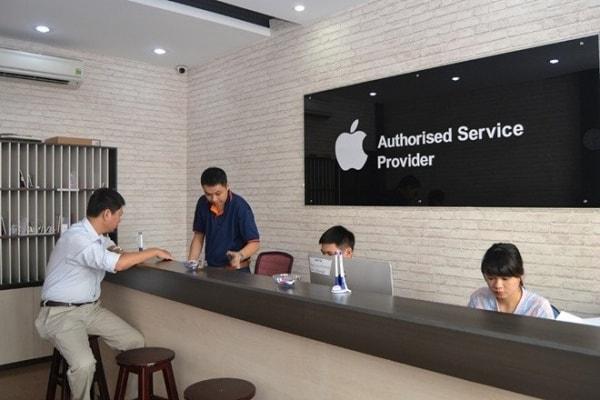Đem máy đến trung tâm bảo hành Apple cũng là một lựa chọn dành cho bạn
