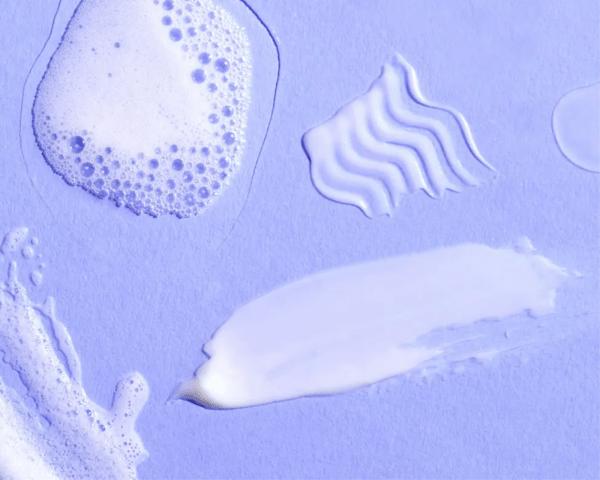 Xanthan Gum là thành phần có đặc tính dễ vón cục